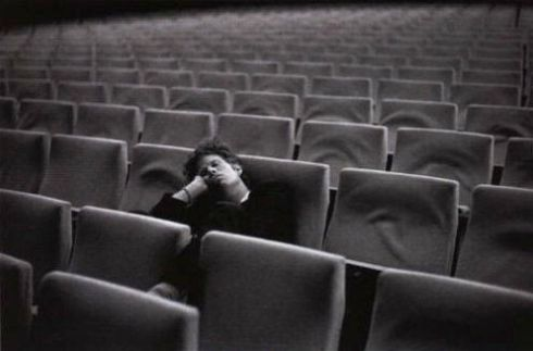 Tom Waite in empty cinema