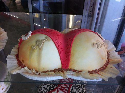 ava arse cake