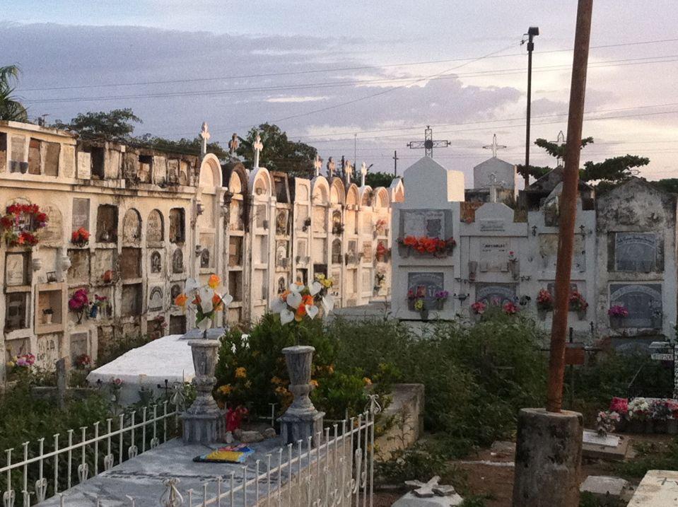mompox cementery 2