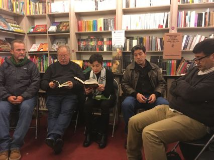 Valdivia bookshop - the readers